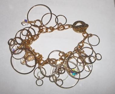 Gold Circles Shaker Bracelet with Swarovski crystals.